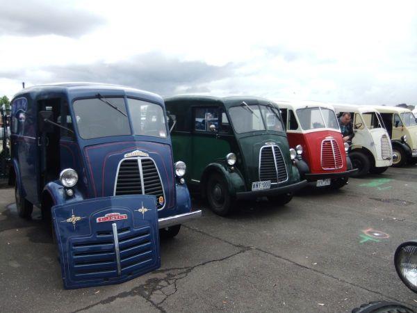 Morris J-type vans