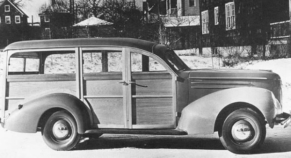1939StudebakerCommanderSuburbanWood