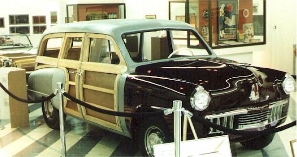 1947_Studebaker_Champion_woody_2