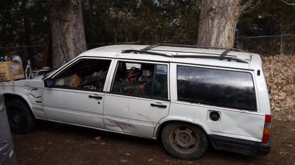 Craigslist Classic Outtake – The Saddest Volvo 740 Wagon In America