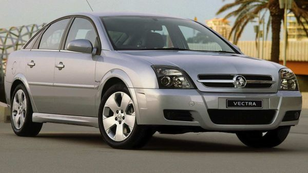 2004_Holden_Vectra_sedan
