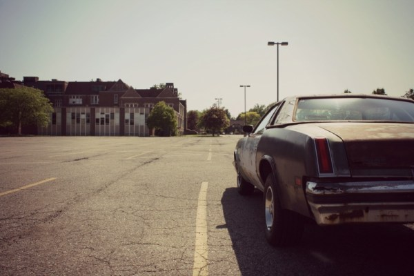 405 - 1977 Olds Cutlass Supreme CC