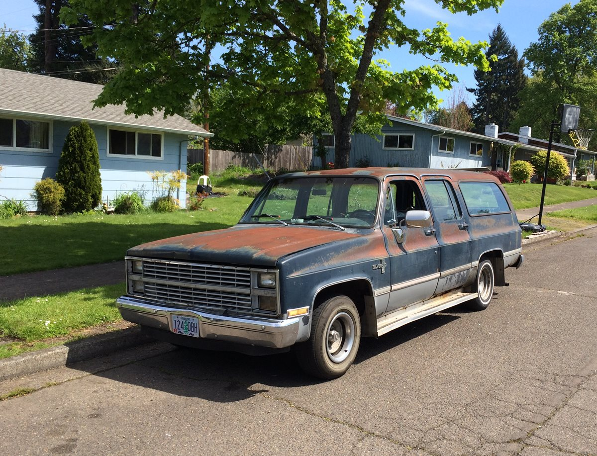 Curbside Classic: 1982 Chevrolet Suburban – Four Doors For The Win ...