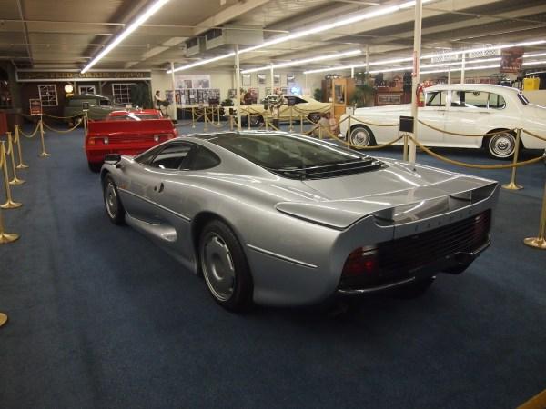 jaguar xj220 (3)