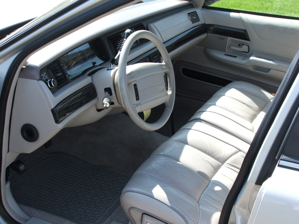 Ford  Cv Touring Int