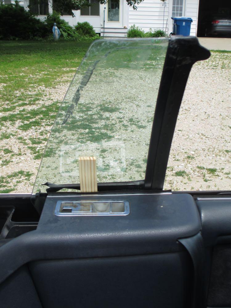 Img 4965 for 1992 chrysler lebaron convertible rear window regulator