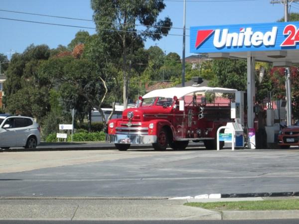 Convertible fire truck