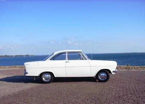 Opel kadett A _coupe_002