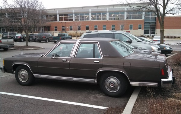 1985FordCrownVic06