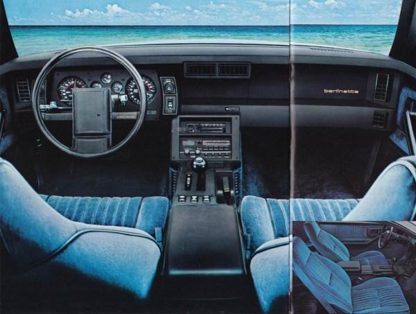Brochure 1982 Berlinetta Interior