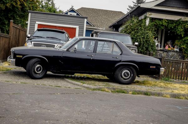 Chevrolet Nova 1975 blck