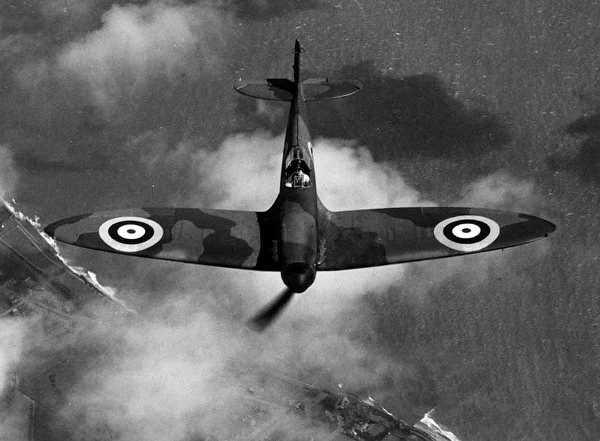 Spitfire Mk I in flight, May 1940.