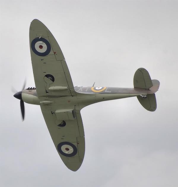 Spitfire_mk2a_p7350_arp
