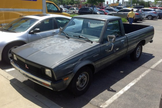 1986 Mitsubishi Mighty Max Sport a