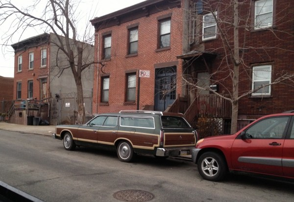 ford ltd country squire red hook (1)