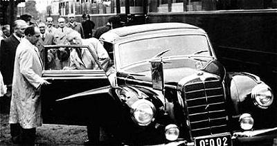 Mercedes 300 Adenauer1