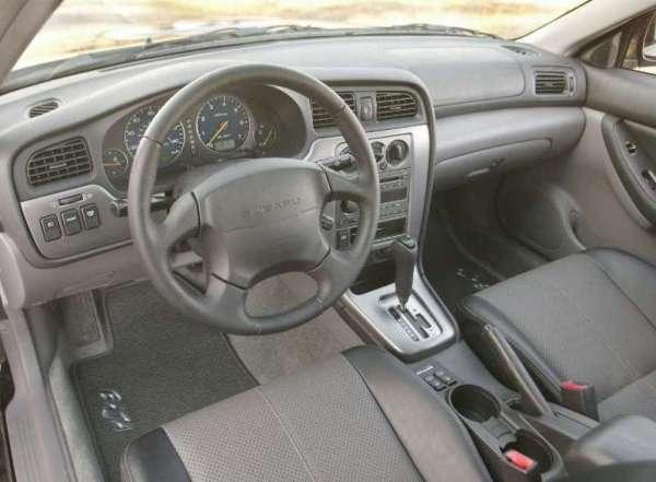 Subaru-Baja_interior