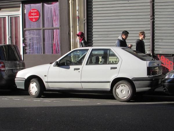 1992-96 Renault 19 Gare du Nord 20151111
