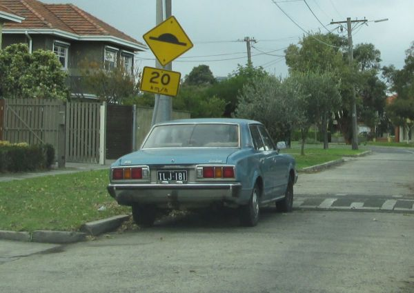 1976 Toyota Crown Super Saloon rear