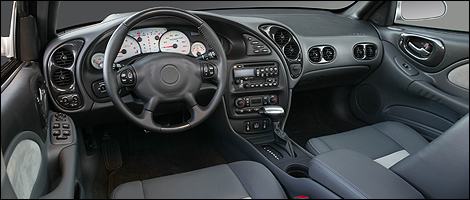 2005 pontiac bonneville interior