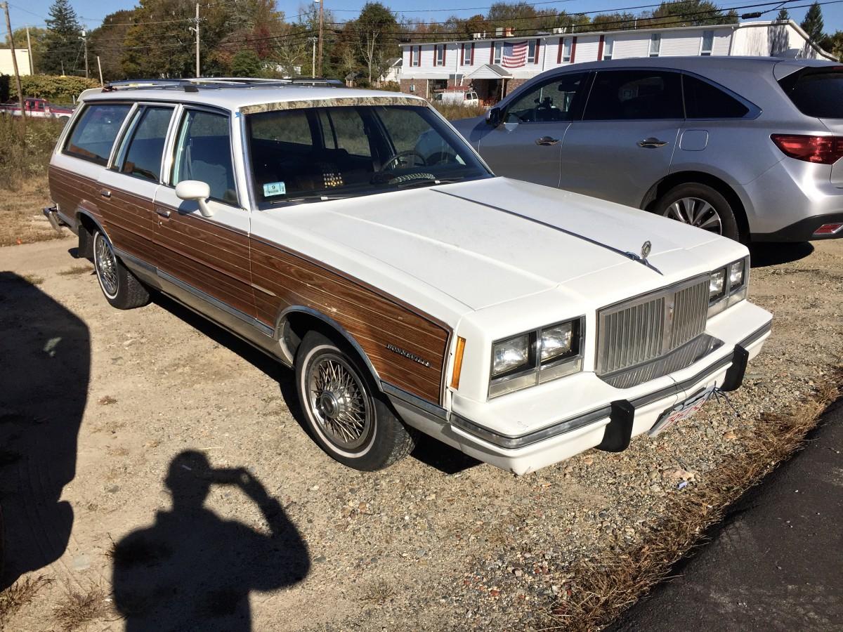 Curbside Classic Pontiac Bonneville Model G Wagon Dont - Cool cars 1983