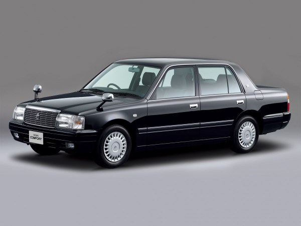 toyota_crown_comfort_3