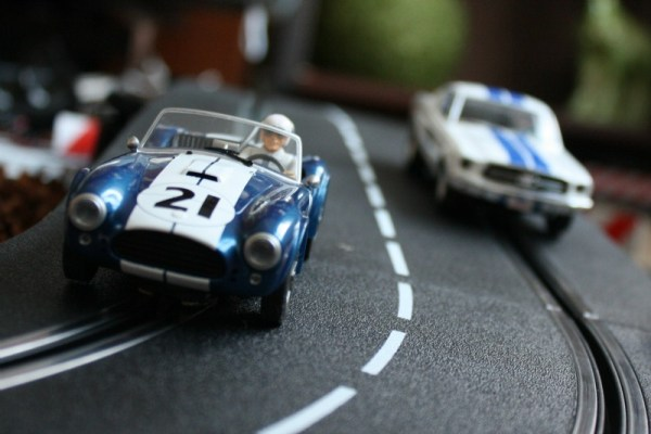 016 - Cobra and Mustang slot cars CC
