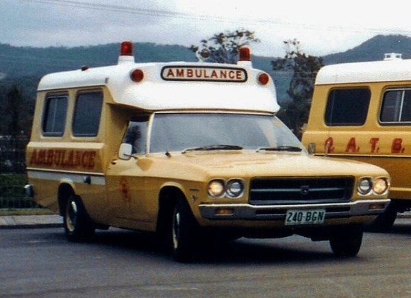 1972_Holden_HQ_1_Tonner_ambulance_(5340715963)
