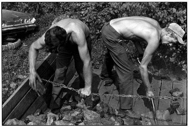 Coal shovelers