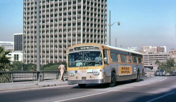 LA Flxible bus 2