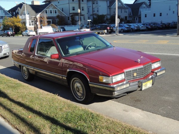 1991 Cadillac Fleetwood Coupe right front