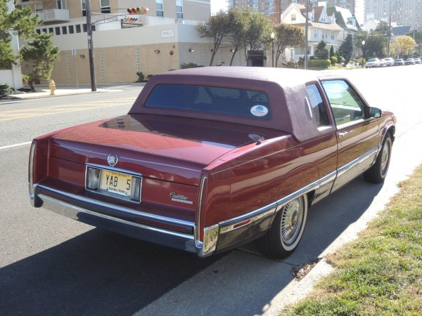1991 Cadillac Fleetwood Coupe right rear