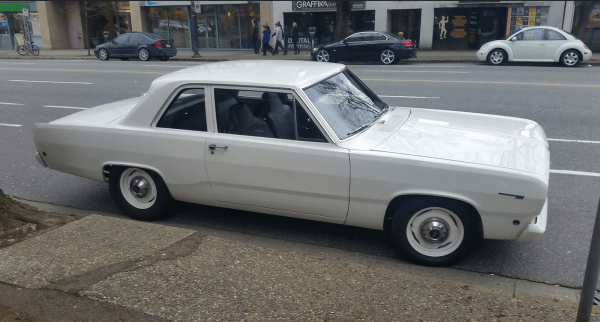Plymouth Valiant 1968 side