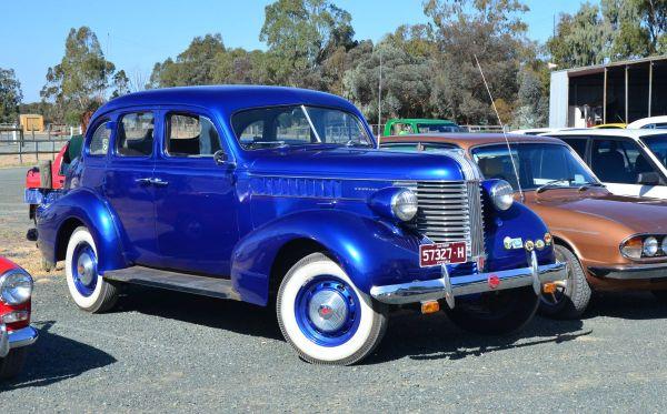 1937 Pontiac 6