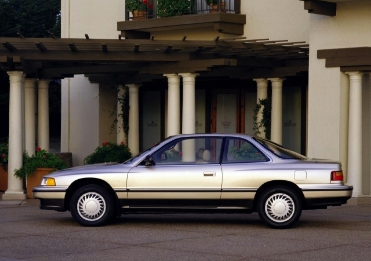 Legend coupe beige
