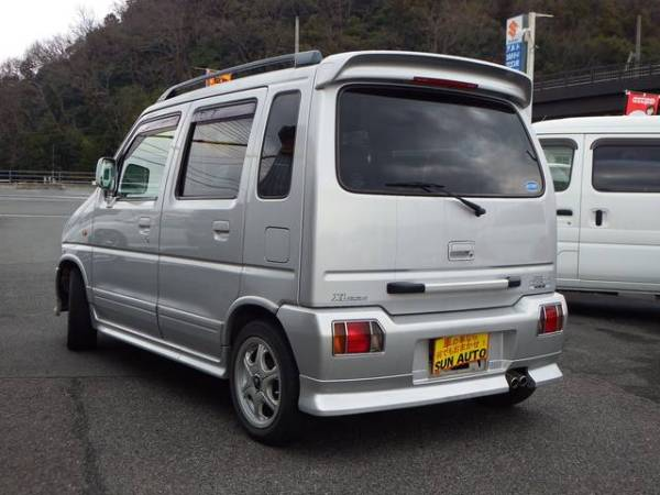 Wagon Rplus rear