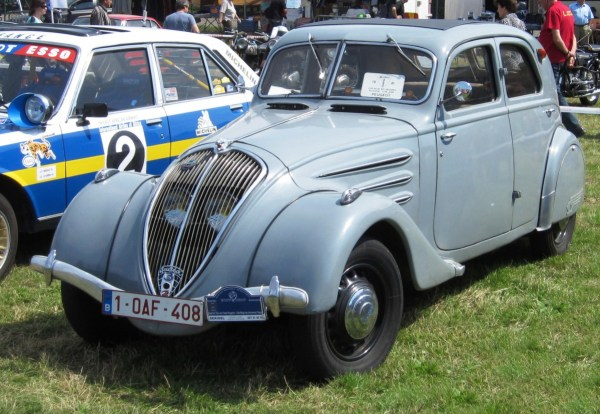 Peugeot_302_ca_1937_Schaffen-Diest_2012