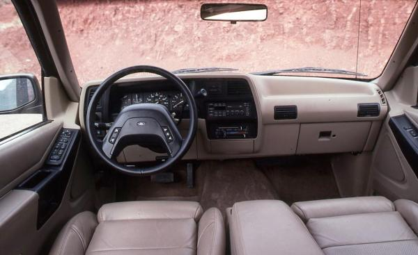 ford-explorer-eddie-bauer-interior-photo-605256-s-1280x782