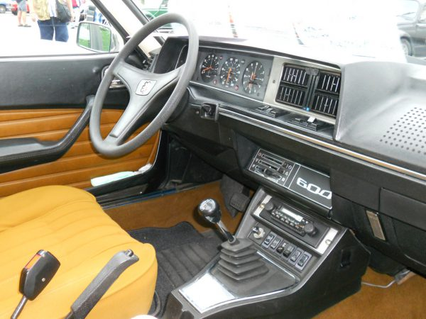 peugeot 604 -interior-wallpaper-1