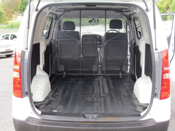 2012-hyundai-i-load-2-5-turbo-diesel-van-rear-cargo-area