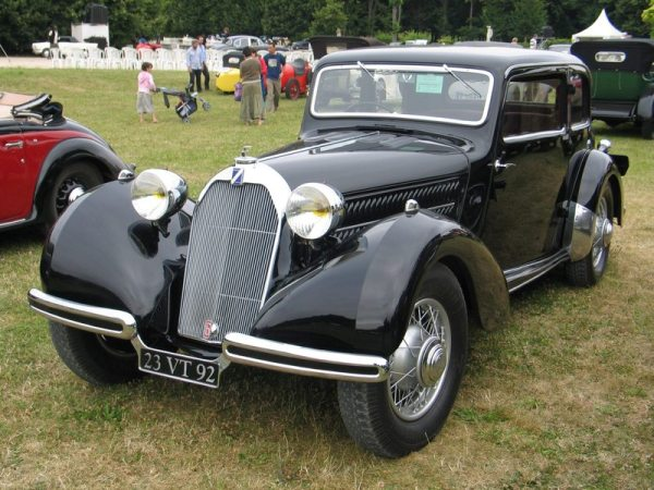 This factory-bodied 1937 T23 had a 3-litre hemi six and conservative (yet chic) styling