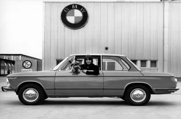 bmw 1600 2- e10-04-1966-02-1971