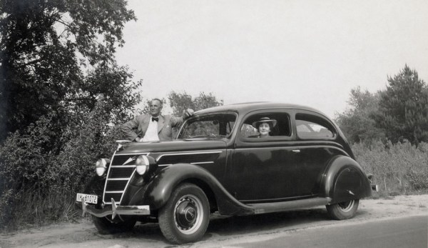 There was also a 'Tudor' version, similar to this 3.6 litre Ford Spezial V8 G91A of 1939.