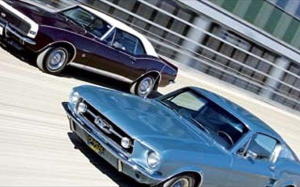 Camaro 1967 and Mustang