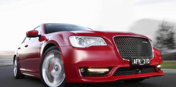 Chrysler_300_SRT_00001