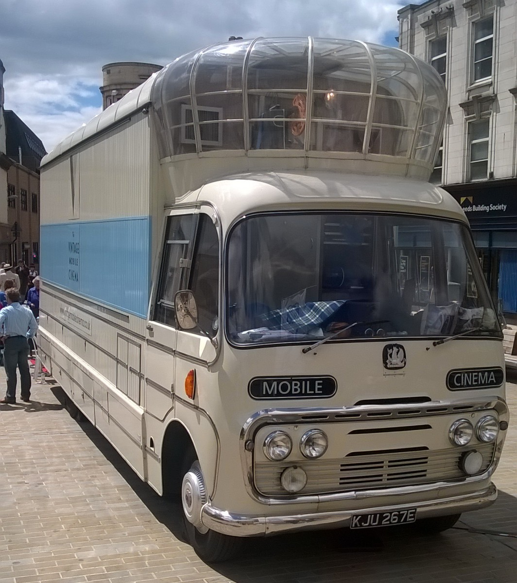 Curbside Classic: 1967 Bedford SB Mobile Cinema – From The