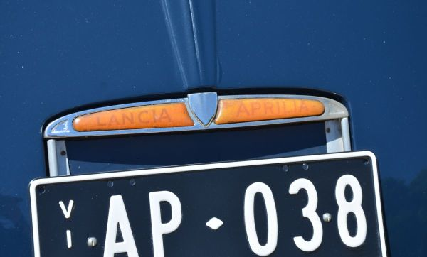 1938-lancia-aprilia-plate-light