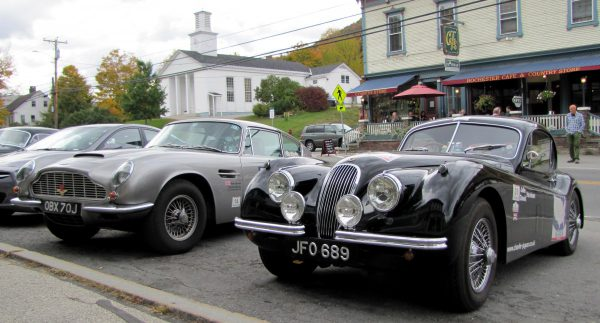 aston-db6-xk140
