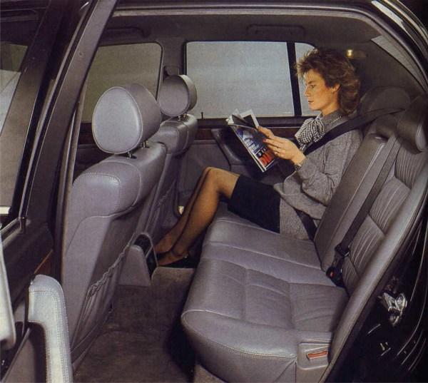 e32-brochure-rear-seat