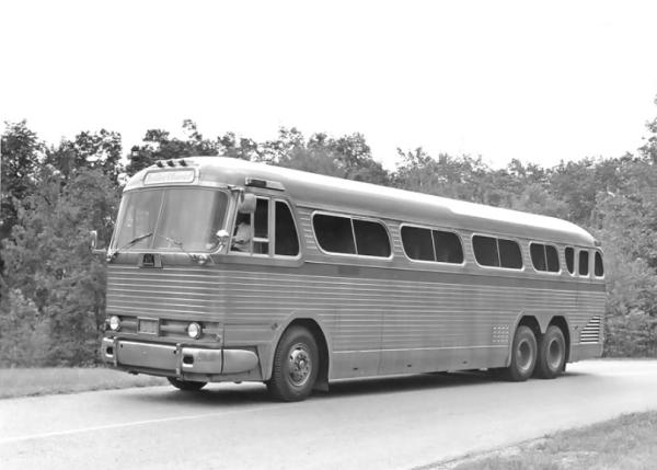 gm-coach-pd-4901-bw
